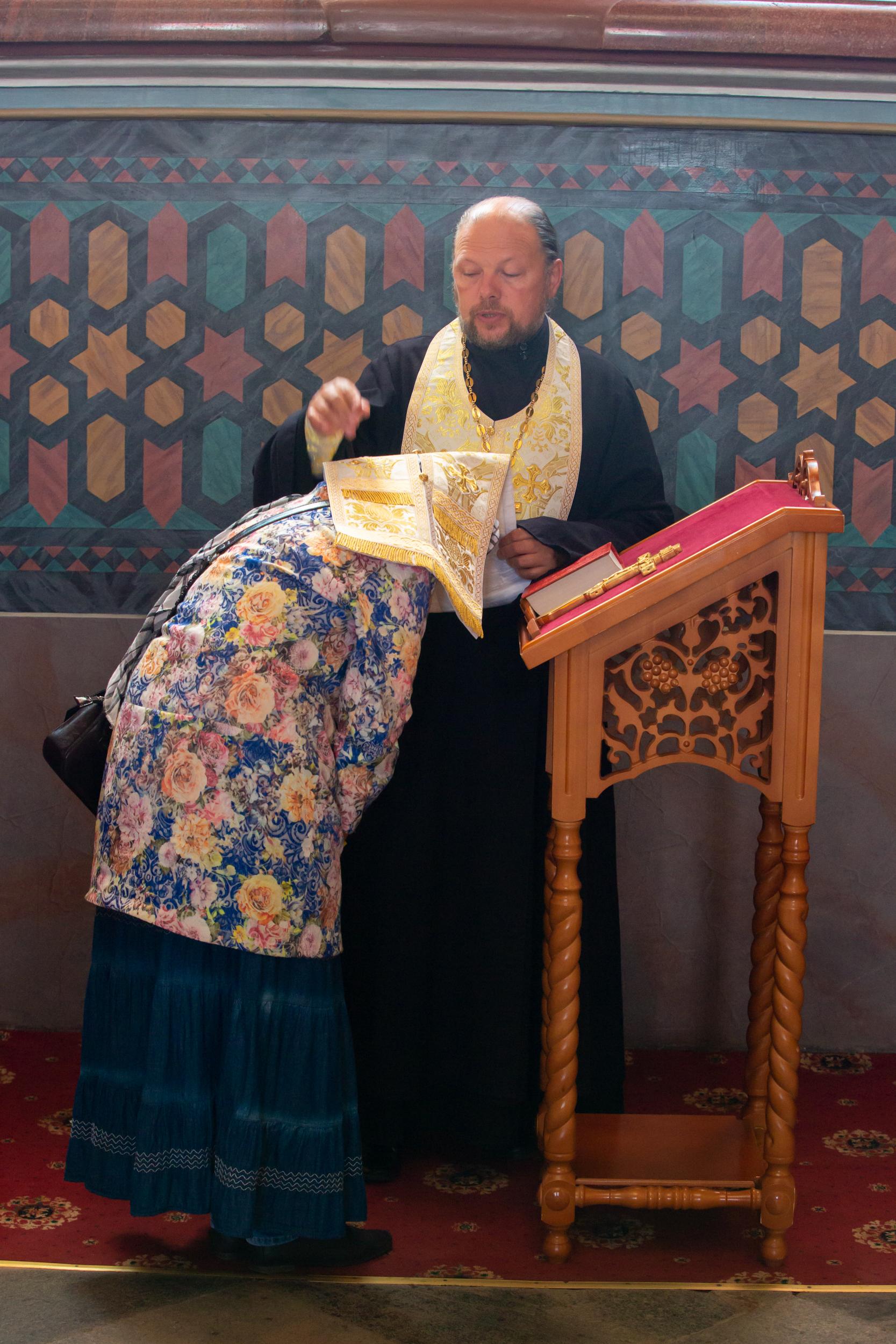 Comment trouver un père spirituel (confesseur) dans le monde?